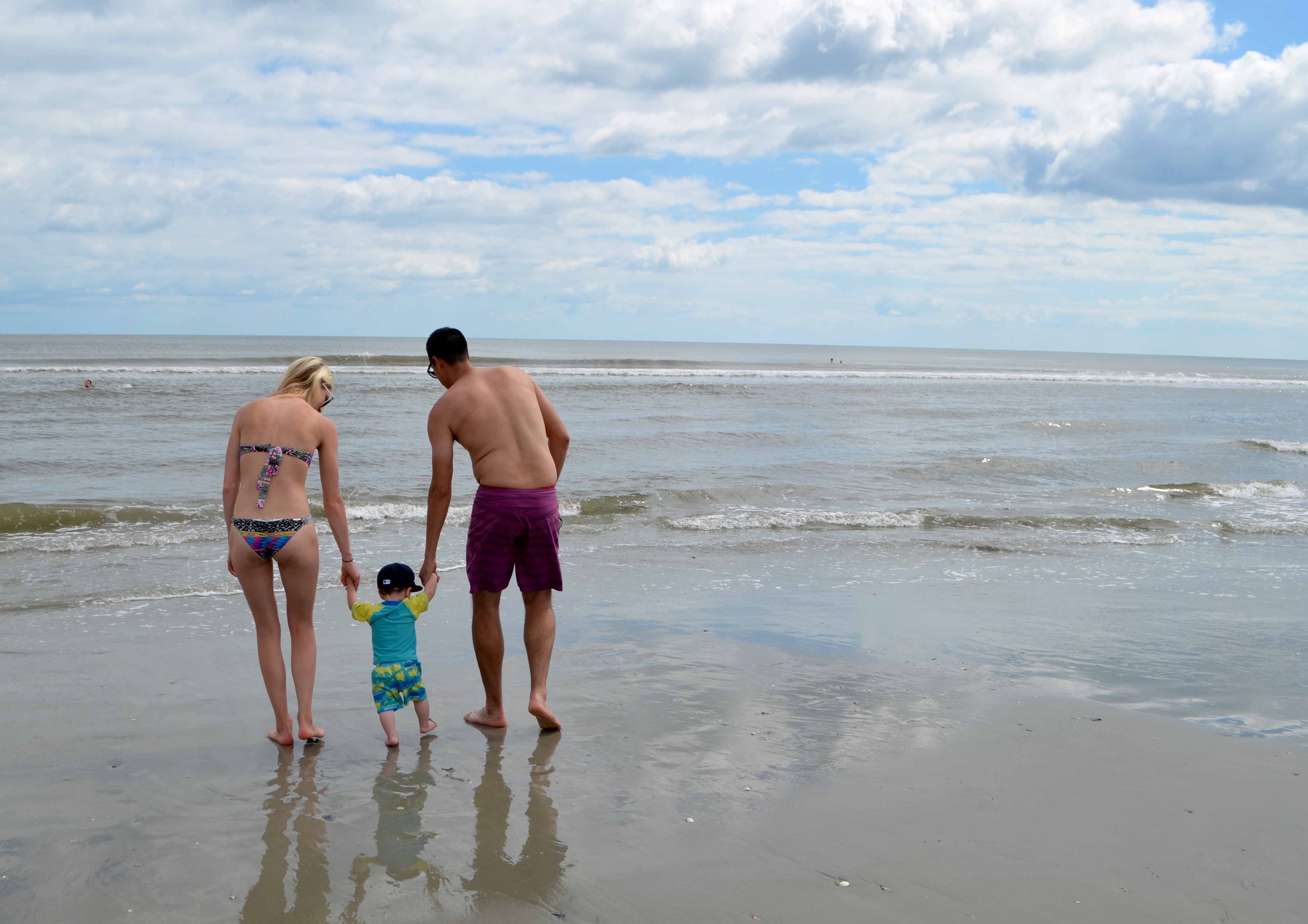 ocean isle beach online dating It depicts an alternate version of the future in which goku dies from a virus and a teenage slidegossip goku and jamai raja 28th april 2016 episode watch online kumpulan resep indonesia dalam bahasa holden beach fishing charters oak island fishing charters ocean isle thapki serial title song free downloadtrmdsf.